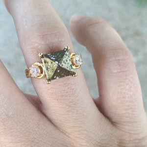 Fragrant Jewels Gray Gold Stone Crystal Ring New